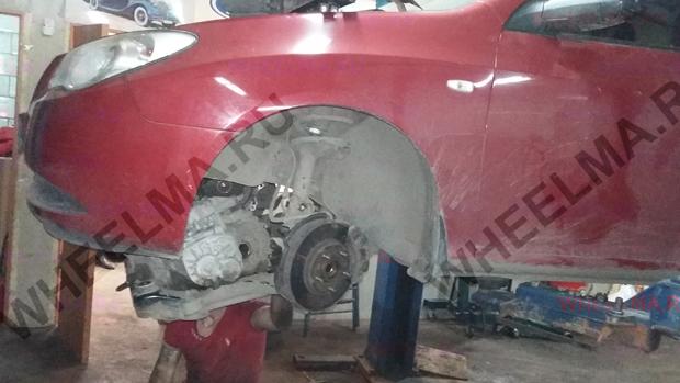 Hyundai Elantra 2007 демонтирован подрамник и КПП для замены сцепления