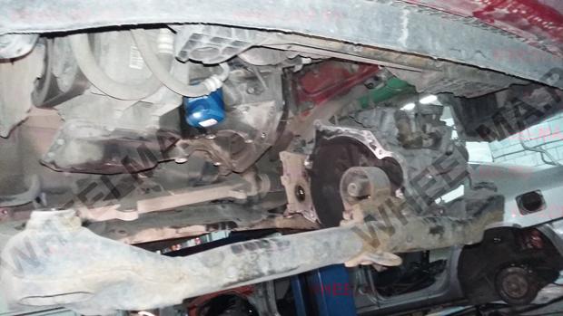 Kia Ceed демонтирован подрамник и КПП